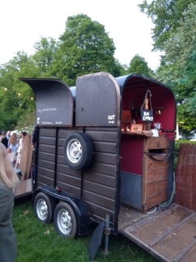 the-horsebox-bar